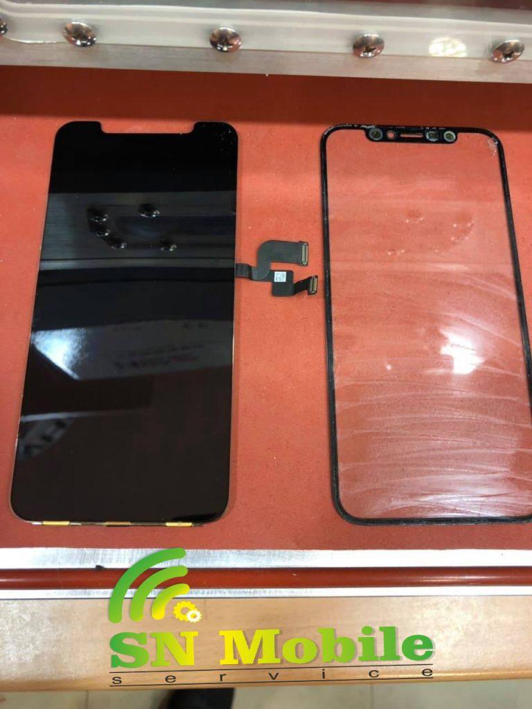 смяна на стъкло на iphone xs